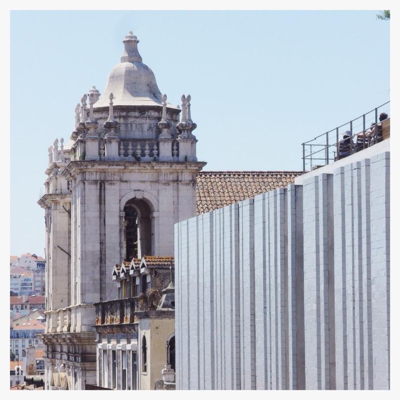 Landing-in-Lisbon-3