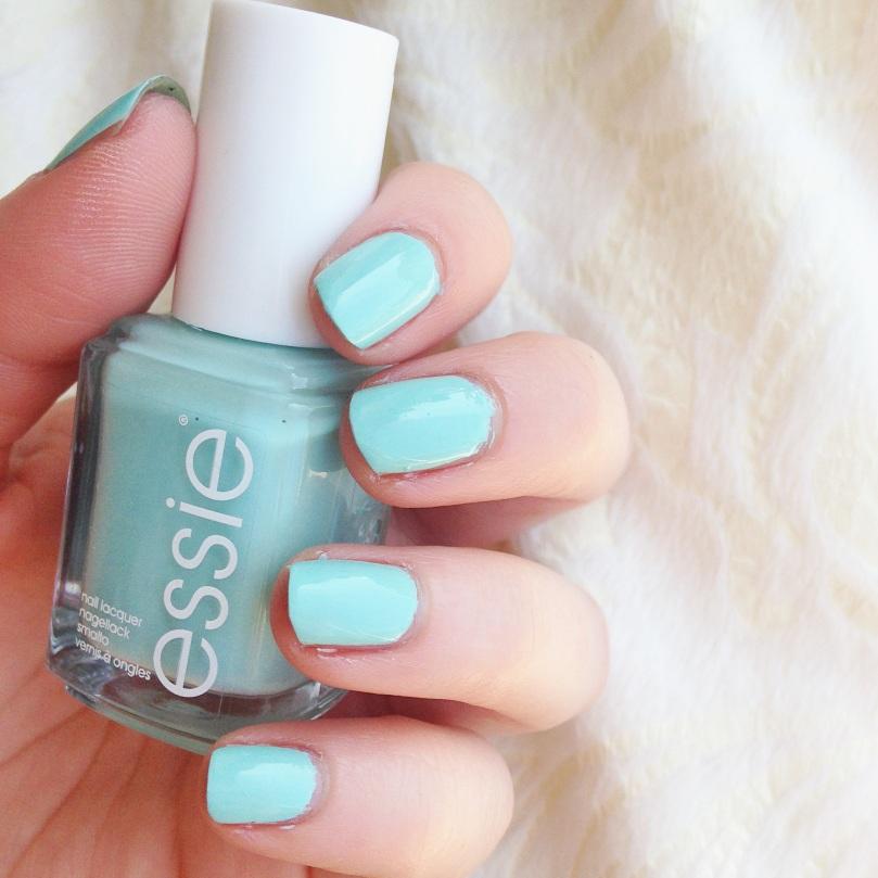 Essie-BlossomDandy-5