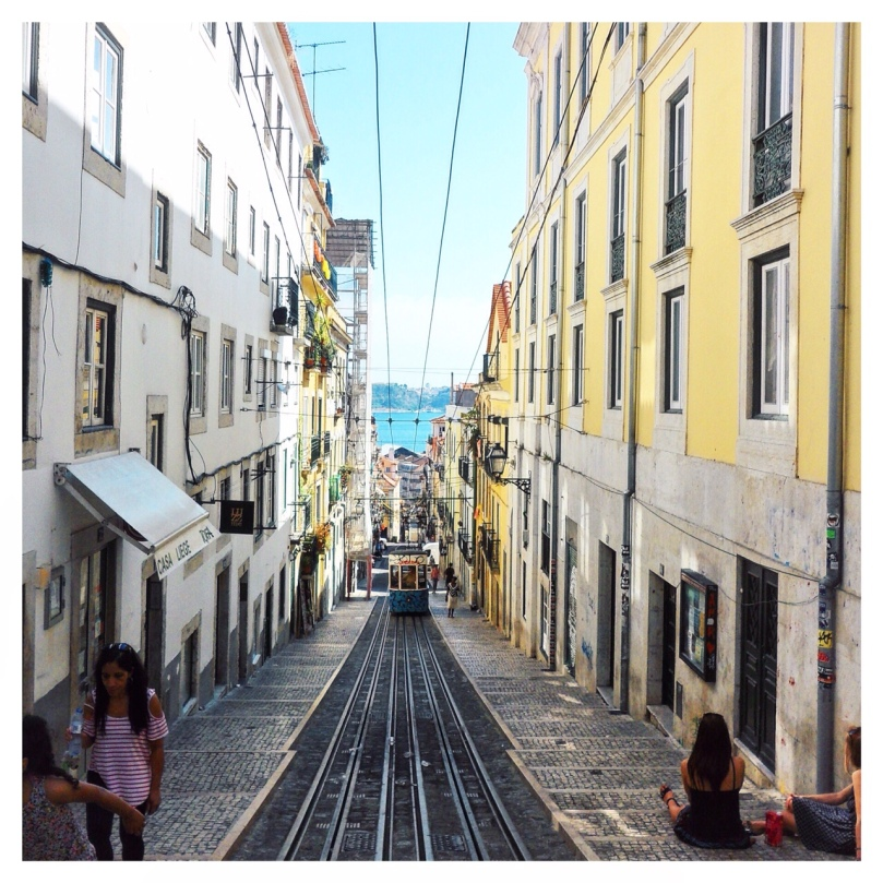 Landing-in-Lisbon-11
