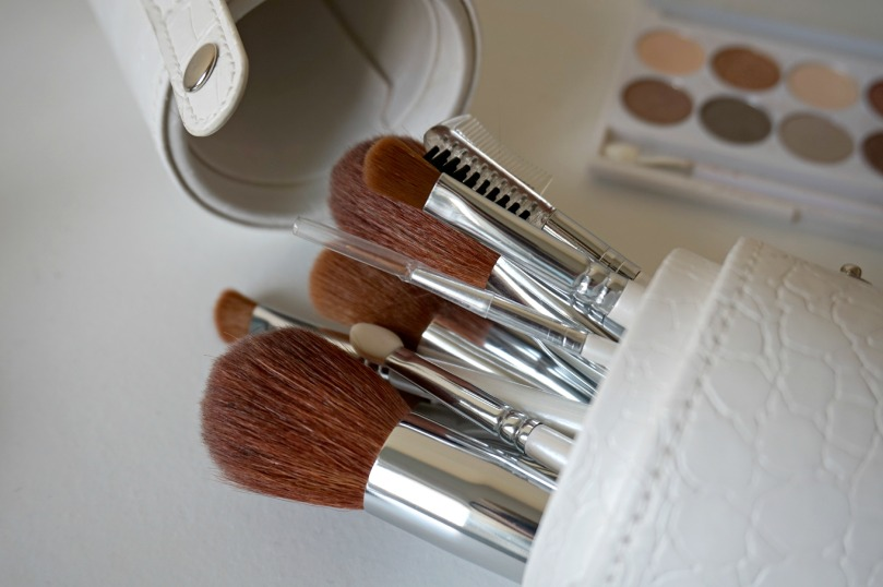 queenb-brushes-2