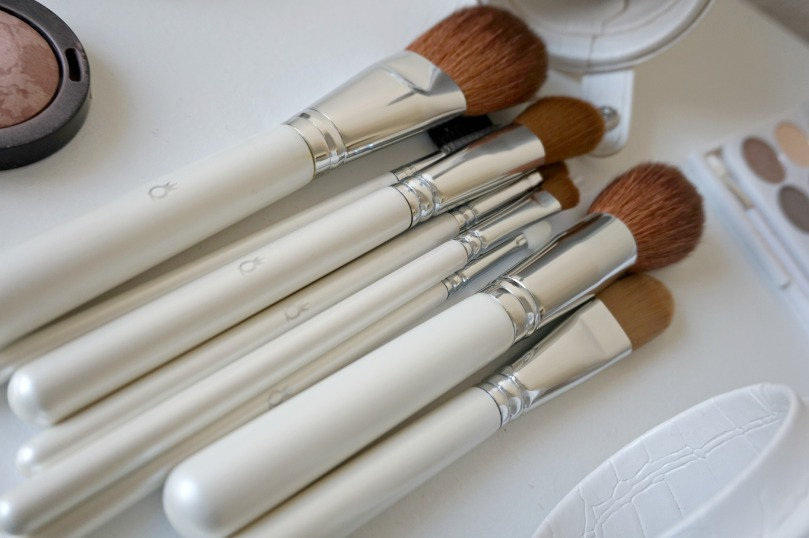queenb-brushes-4
