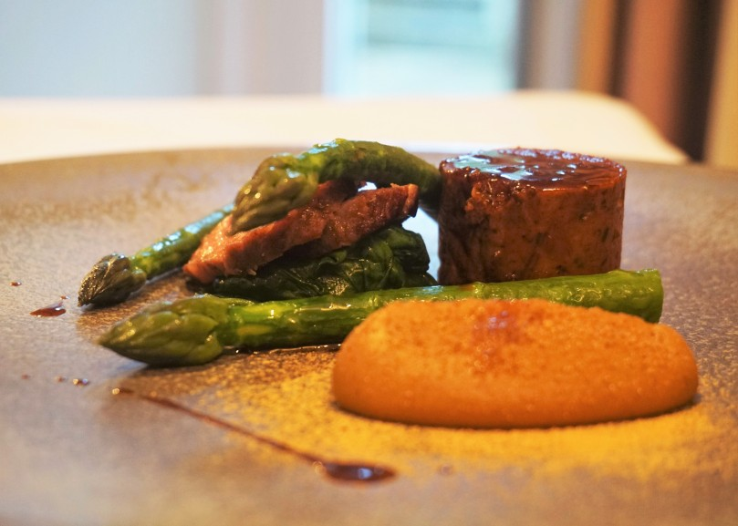 Roast 48 day dry aged sirloin of beef, English asparagus, cep purée, red wine sauce